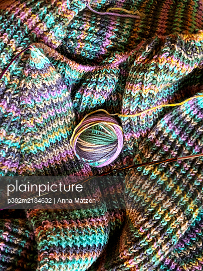 Knitting - p382m2184632 by Anna Matzen