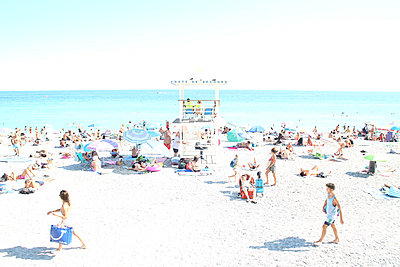 Beach of Nice with lifeguard tower - p1289m1525765 by Elisabeth Blanchet