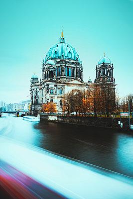 Berliner Dom - p416m1498148 von Jörg Dickmann Photography