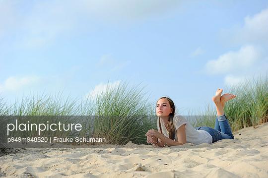 Erholung in den Dünen - p949m948520 von Frauke Schumann