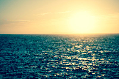 Sonnenuntergang - p299m949389 von Silke Heyer