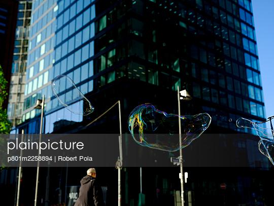 Germany, Frankfurt, Financial district - p801m2258894 by Robert Pola