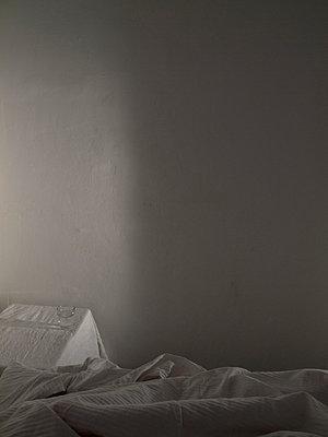 Schlaflos - p444m898550 von Müggenburg