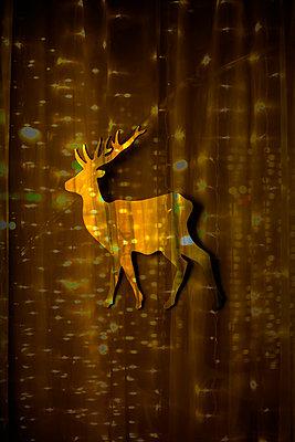 Sparkling deer mirror - p1028m1528529 von Jean Marmeisse
