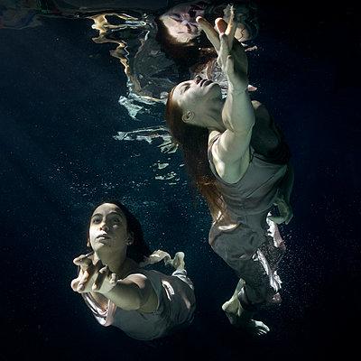 underwater ballet - p1554m2159075 by Tina Gutierrez