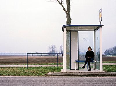 Netherlands, bus stop - p2683292 by Arne Landwehr