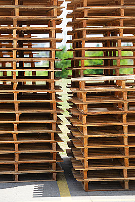 Stack of pallets - p623m2003659 by Frederic Cirou