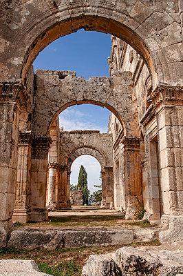 Frühbyzantinisches Kloster des Simeon, Simeonskloster, Aleppo, Syrien - p1493m2063598 von Alexander Mertsch