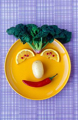 Gemüsegesicht - p1650219 von Andrea Schoenrock
