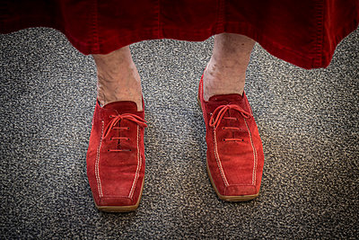 Red shoes - p403m937577 by Helge Sauber
