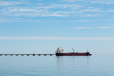 Tanker ship at end of dock; Burlington, Ontario, Canada - p442m1086646 by Vast Photography