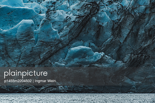 Alaska, Glacier wall - p1455m2204502 by Ingmar Wein