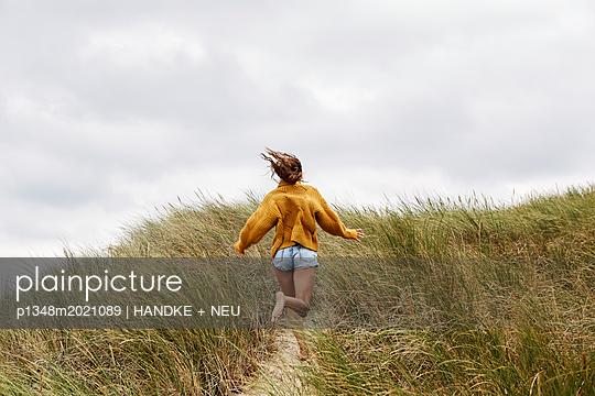 Freude aufs Meer - p1348m2021089 von HANDKE + NEU