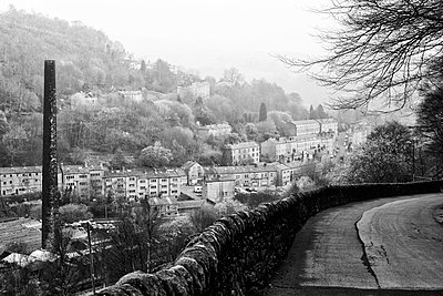 England, West Yorkshire, Hebden Bridge. A steep road inti the town. - p651m2007158 by Robert Birkby