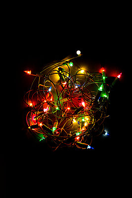 chain of lights - p876m2187322 by ganguin