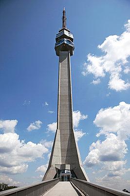 Fernsehturm in Belgrad - p382m1218841 von Anna Matzen