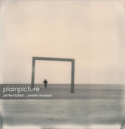 Am Strand - p979m1525921 von Jennifer Rumbach