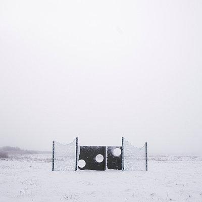 Kein Fußball im Winter - p992m791651 von Carmen Spitznagel
