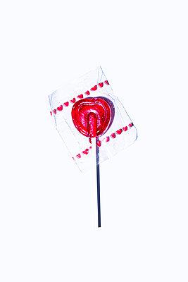 Heartshaped lollipop - p1149m2197066 by Yvonne Röder