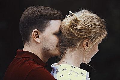 Happy couple having fun outdoors - p1577m2150281 by zhenikeyev