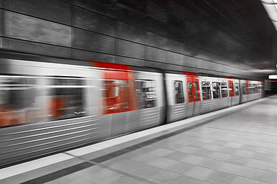 Subway station in Hamburg - p851m2077230 by Lohfink