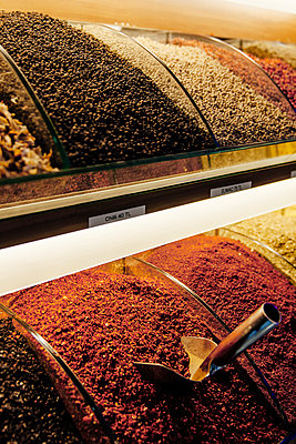 Spices II - p1065m885850 by KNSY Bande