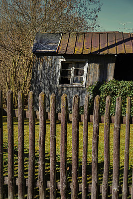 Old shed - p1038m931496 by BlueHouseProject