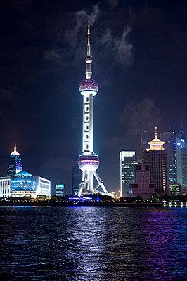 Shanghai - p2360625 by tranquillium