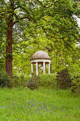 Pavillon, Kew Gardens, London - p382m919595 von Anna Matzen