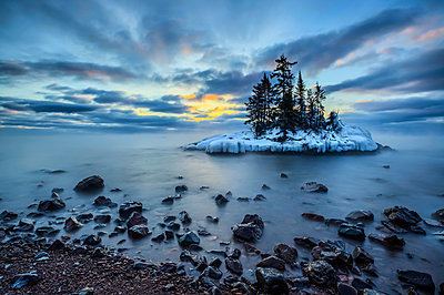 Island in Lake Superior at sunrise; Grand Marais, Minnesota, United States of America - p442m2039394 by Susan Dykstra