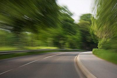 Kurvenfahrt - p7980022 von Florian Löbermann