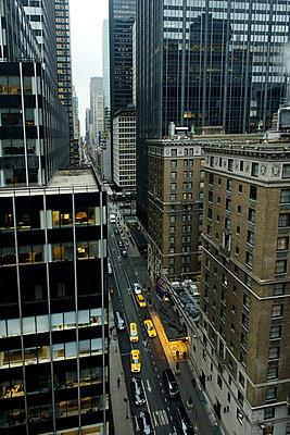 Yellow cab - p1041m854832 by Franckaparis