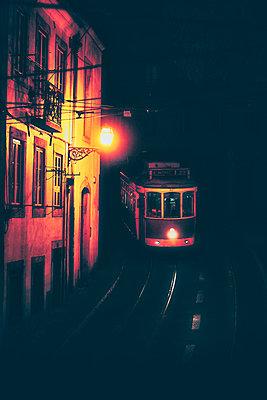 Tram 28 - p1695m2290951 by Dusica Paripovic
