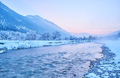 Germany, Bavaria, Vorderriss, Isar Valley in winter - p300m1356217 by Michael Reusse (alt)