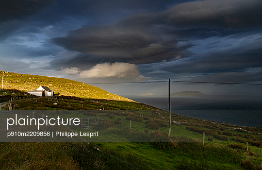 Ireland, Ballinskelligs Bay - p910m2209856 by Philippe Lesprit