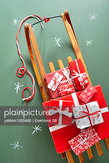 Geschenke, Geschenke - p464m1005465 von Elektrons 08