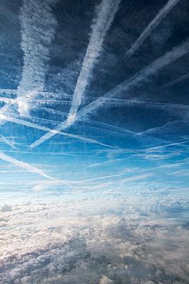 Über den Wolken - p171m1425421 von Rolau