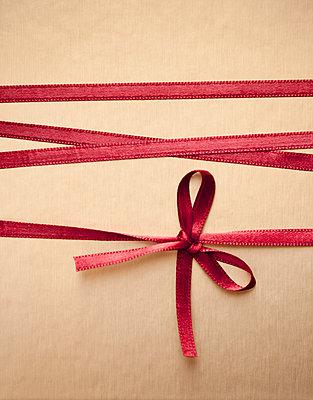 Red ribbon - p971m889753 by Reilika Landen