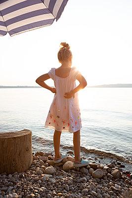 Evening at the lake - p454m2217367 by Lubitz + Dorner