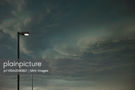 Dramatic Storm Approaching - p1100m2090821 by Mint Images