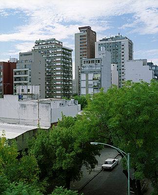 Wohnblocks in Buenos Aires - p3530181 von Stüdyo Berlin