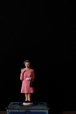 Queen winkend - p1190m1441835 von Sarah Eick