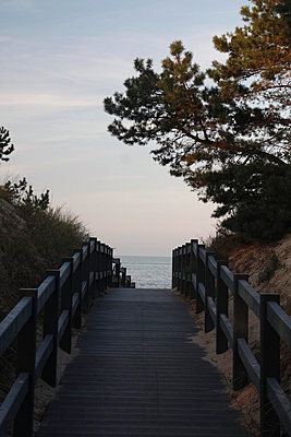 Weg zum Strand - p039m1006737 von Christine Höfelmeyer