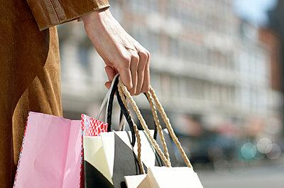 Shopping - p1237m1048268 by Paul W. Nähr