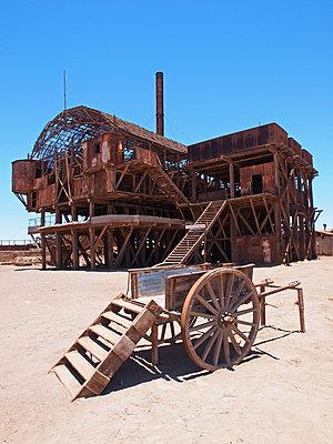 Santa-Laura-Salpeterwerke in Chile - p338m1355489 von Marion Beckhäuser