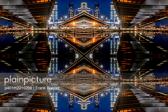 Abstraktes Kaleidoskop Zakim Bunker Hill Memoriam Bridge Boston Massachusetts - p401m2210299 von Frank Baquet