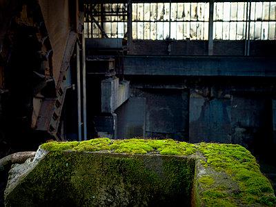 Alte Industrieanlage - p416m991147 von Stephan Jouhoff
