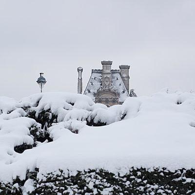 Schneebdecktes Haus - p1138m1539662 von Stéphanie Foäche