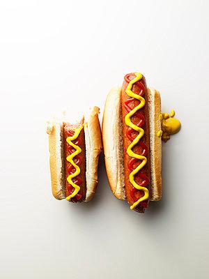 Hotdogs - p549m854102 by C&P