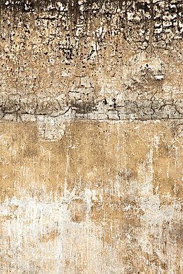 A crumbling wall - p9246719f by Image Source